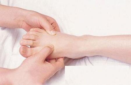 家庭主妇患上类风湿 多年寻诊终康复.jpg